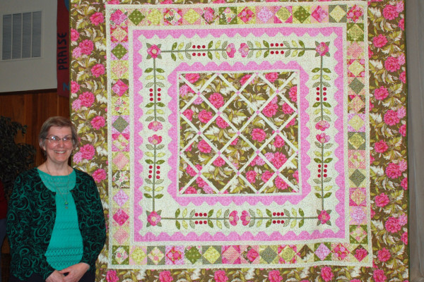 """Barbara Smith like """"flowers All Around"""" from Cindy Lamon's book. She also quilted it."""